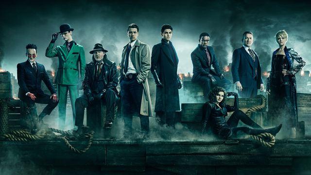Der Krieg um Gotham hat begonnen: Neuer Trailer zeigt Helden und Schurken Seite an Seite