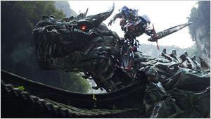 "Mark Wahlberg bestätigt Dinobots für ""Transformers 5: The Last Knight"""