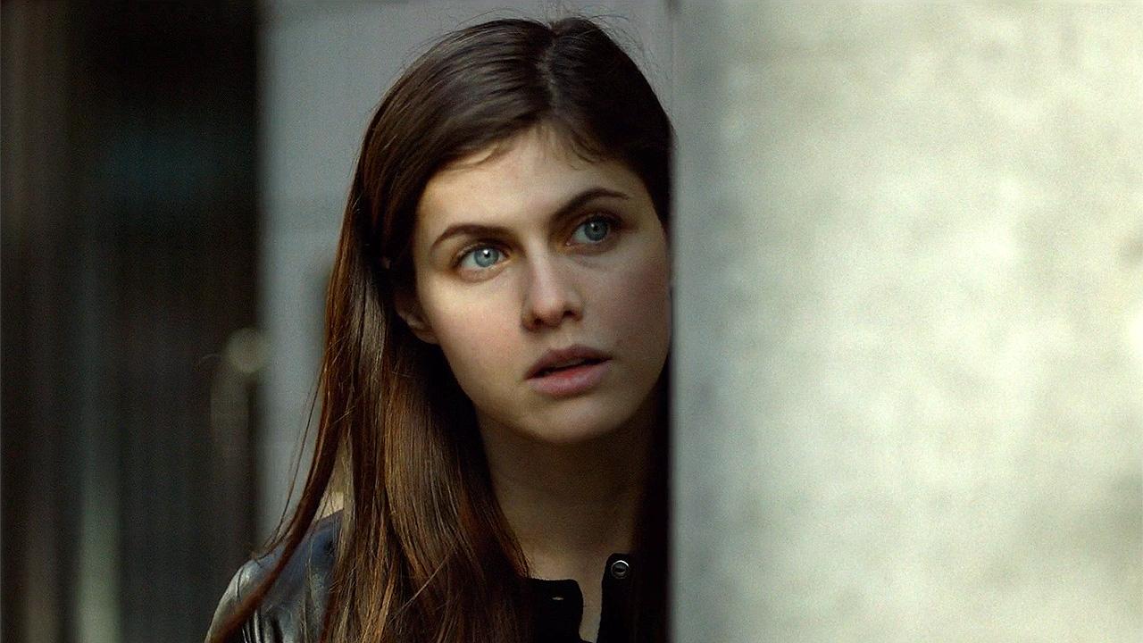 """""""Fifty Shades"""" in Japan: Trailer zu """"Lost Girls & Love Hotels"""" mit Alexandra Daddario"""