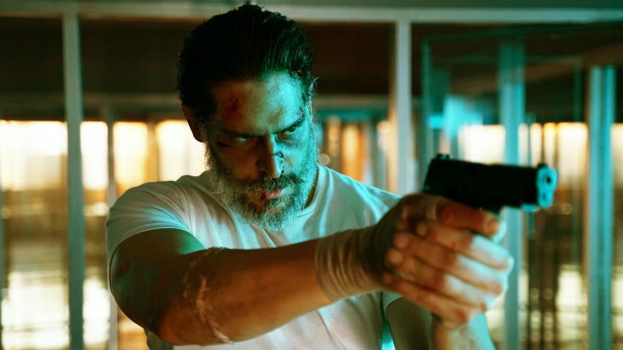 """Fernab von Marvel & DC: Der neue Trailer zu """"Archenemy"""" verspricht brutale, düstere Superhelden-Action"""
