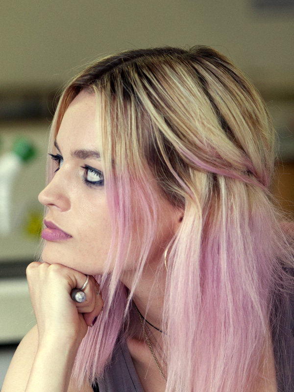Emma Mackey - FILMSTAR...