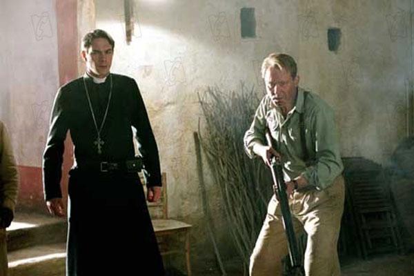 Exorzist: Der Anfang : Bild James d'Arcy, Renny Harlin, Stellan Skarsgård