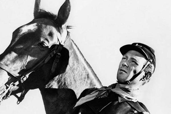 Der Teufelshauptmann: John Ford, Harry Carey Jr.