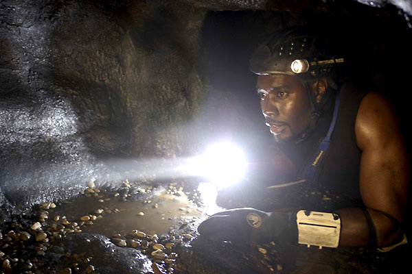 The Cave : Bild Bruce Hunt