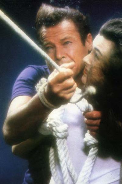 James Bond 007 - In tödlicher Mission : Bild Carole Bouquet, John Glen, Roger Moore