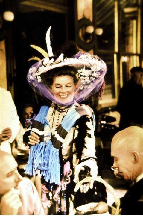Die Irre von Chaillot : Bild Bryan Forbes, Katharine Hepburn, Yul Brynner