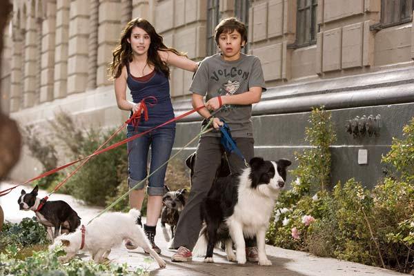 Das Hundehotel : Bild Emma Roberts, Jake T. Austin