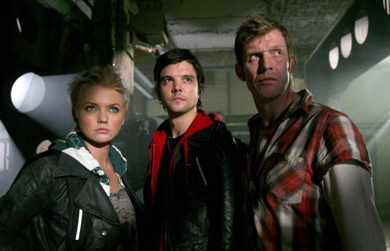 Primeval - Rückkehr der Urzeitmonster : Bild Andrew Lee Potts, Hannah Spearritt, Jason Flemyng