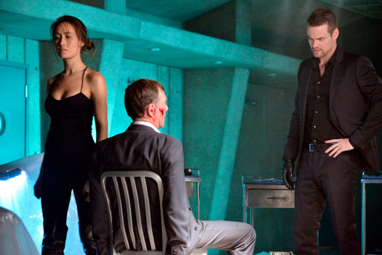 Bild Maggie Q, Peter Outerbridge, Shane West