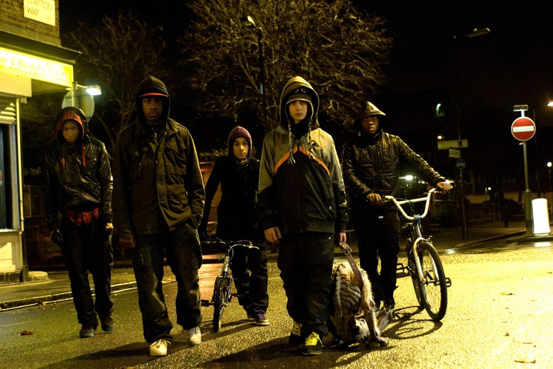 Attack The Block : Bild Alex Esmail, Joe Cornish, John Boyega, Leeon Jones