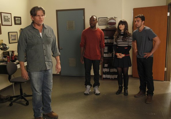 Bild Jake Johnson (XVI), Jeff Kober, Lamorne Morris, Zooey Deschanel