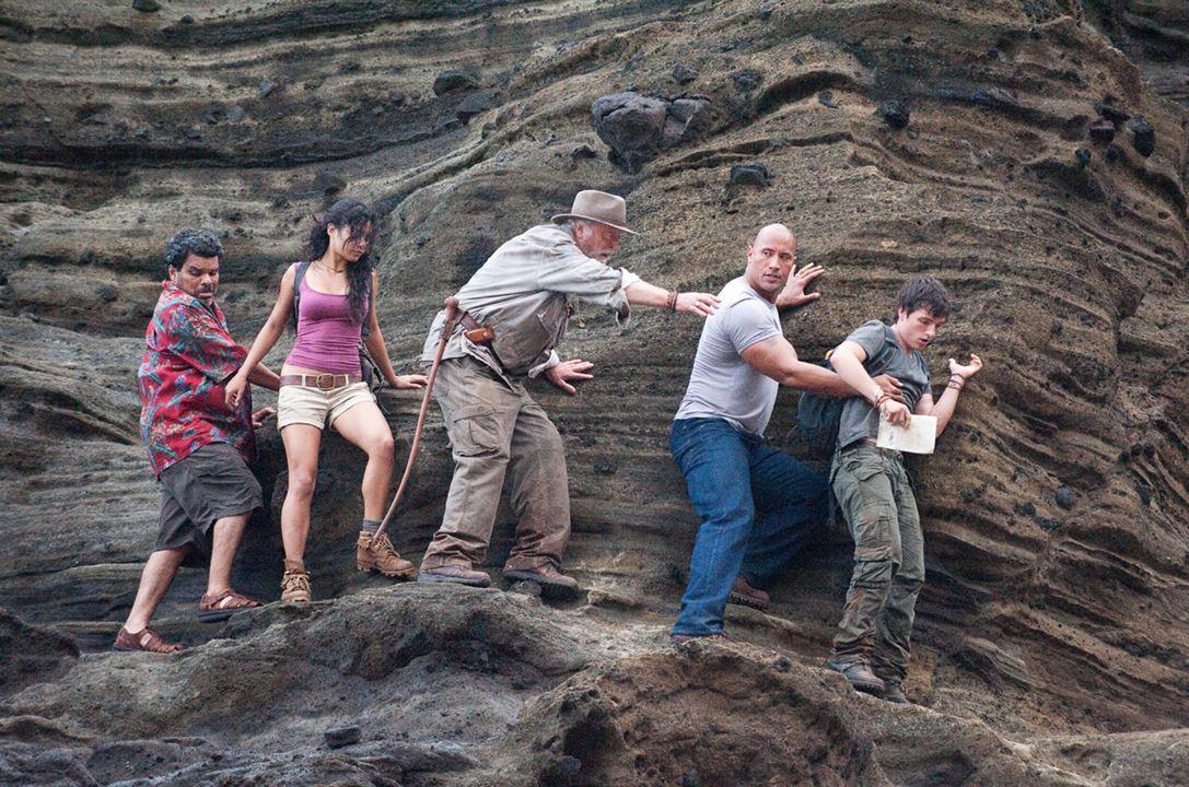 Die Reise zur geheimnisvollen Insel : Bild Brad Peyton, Dwayne Johnson, Josh Hutcherson, Luis Guzman, Michael Caine