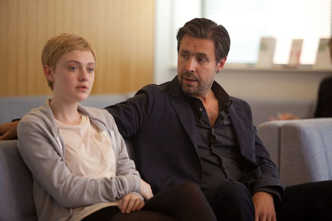Now Is Good - Jeder Moment zählt: Paddy Considine, Dakota Fanning