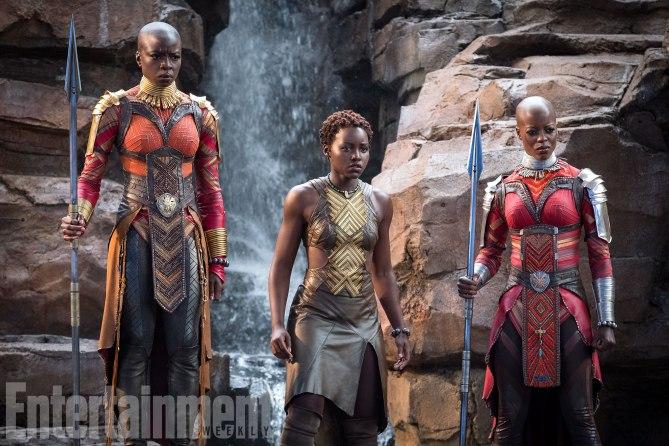Wachsam und bewaffnet: Okoye (Danai Gurira), Nakia (Lupita Nyong'o) und Ayo (Florence Kasumba)