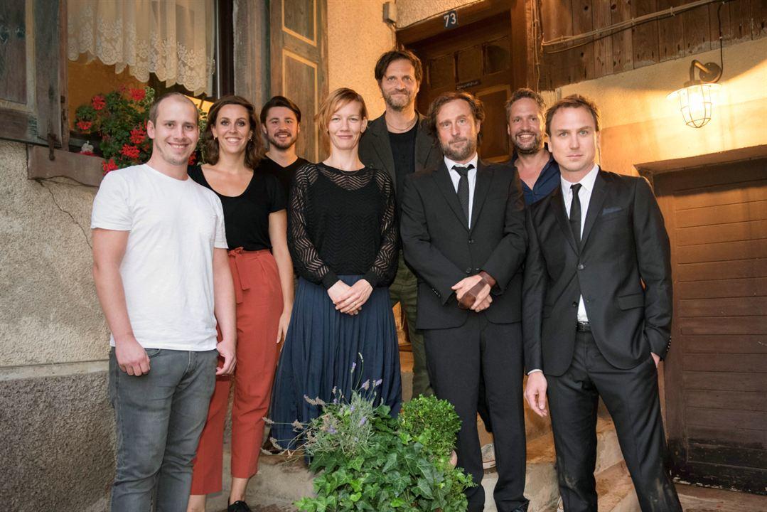 v.l.n.r.: Tobias Herrmann, Eva van Leeuwen, Jan Gallasch, Sandra Hüller, Markus Goller, Bjarne Mädel, Oliver Ziegenbalg und Lars Eidinger