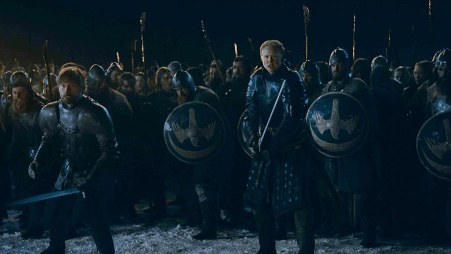 Nikolaj Coster-Waldau als Jamie Lannister und Gwendoline Christie als Ser Brienne of Tarth