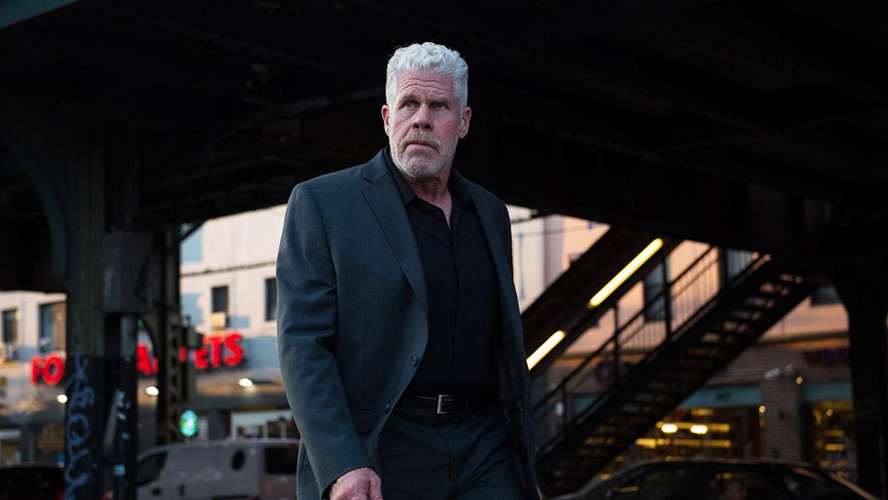 """""""Hellboy"""" Ron Perlman hat im deutschen Trailer zum Actioner """"Asher"""" genug vom Killer-Sein"""