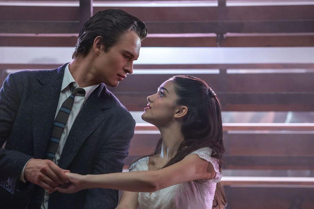 Tony (Ansel Elgort) & Maria (Rachel Zegler)