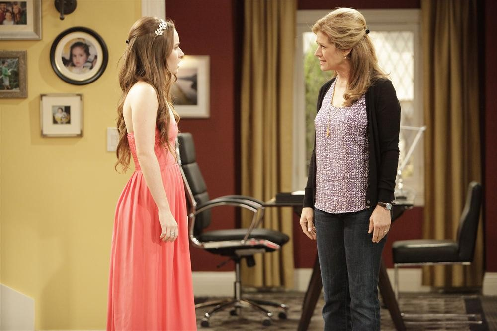 Bild Kaitlyn Dever, Nancy Travis
