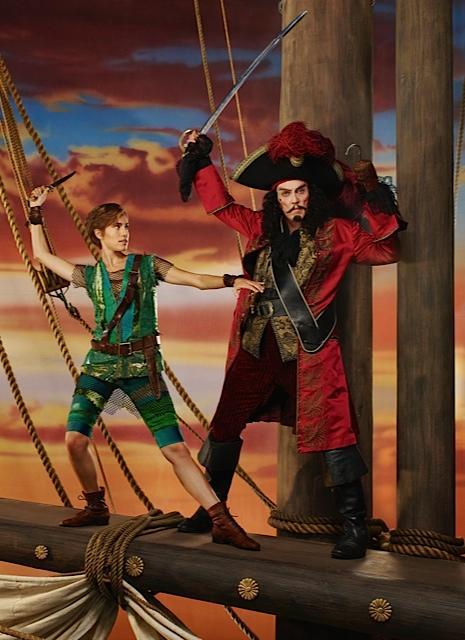 Peter Pan Live! : Bild Allison Williams, Christopher Walken