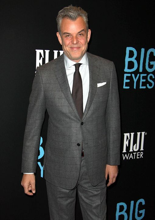 Big Eyes : Vignette (magazine) Danny Huston