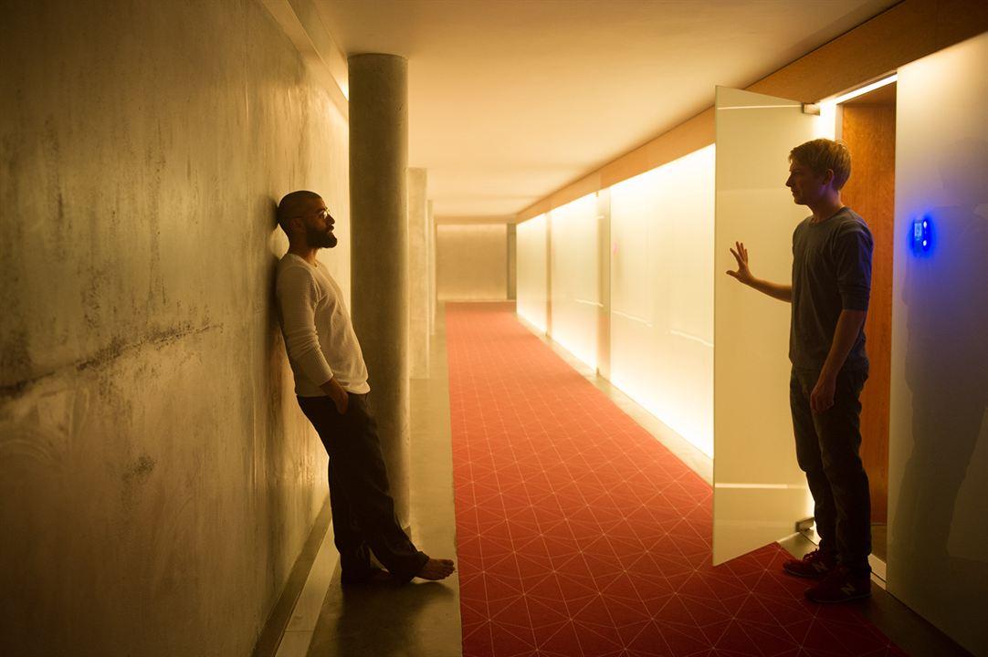 Ex Machina : Bild Domhnall Gleeson, Oscar Isaac