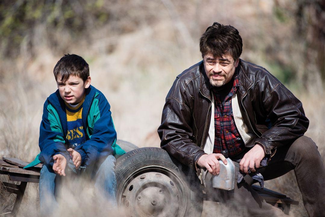 A Perfect Day : Bild Benicio Del Toro, Eldar Residovic