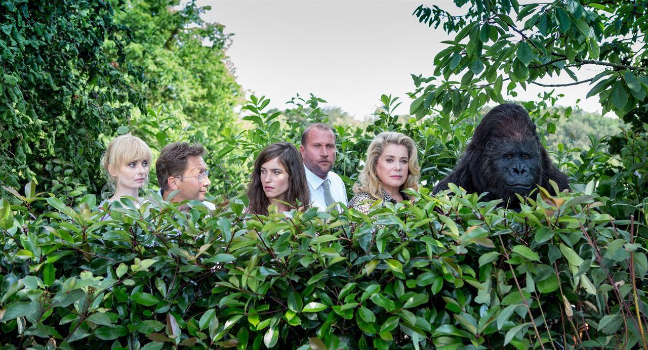 Das brandneue Testament : Bild Anna Tenta, Catherine Deneuve, François Damiens, Laura Verlinden, Serge Larivière