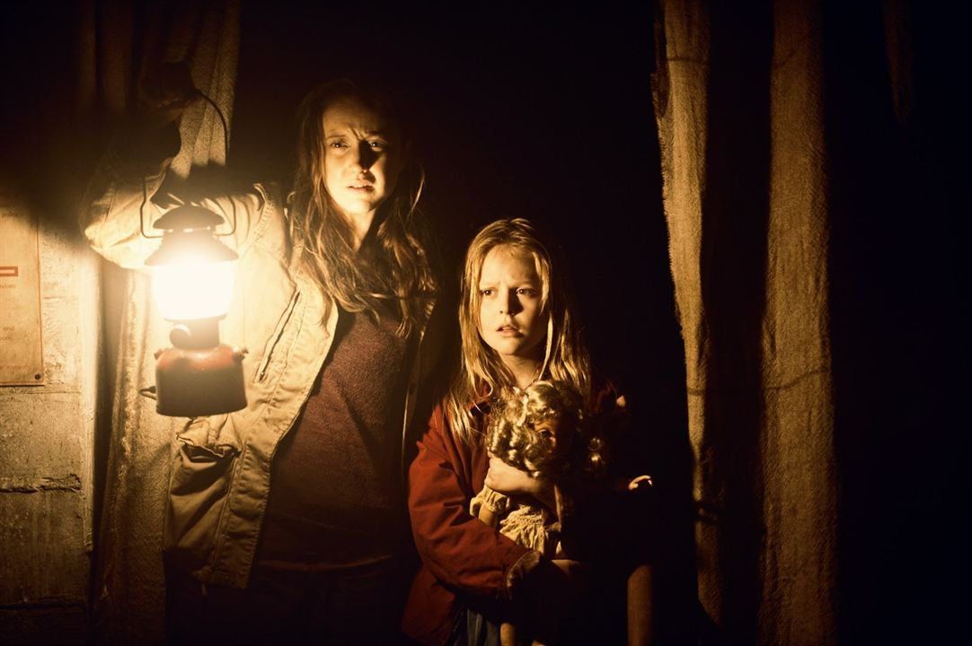 Hidden - Die Angst holt dich ein : Bild Andrea Riseborough, Emily Alyn Lind