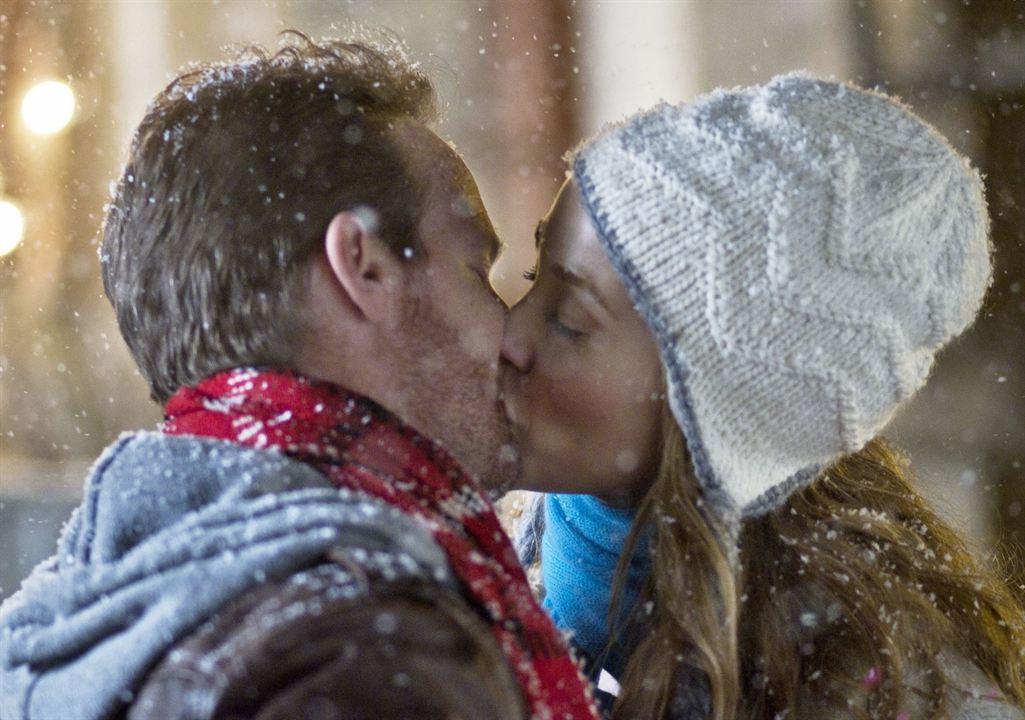 Lucky Christmas - Ein Hauptgewinn zu Weihnachten : Bild Elizabeth Berkley, Jason Gray-Stanford