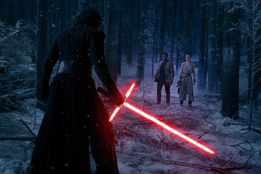 Star Wars: Das Erwachen der Macht : Bild Adam Driver, Daisy Ridley, John Boyega
