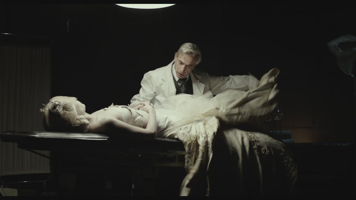 Eva Doesn't Sleep : Bild
