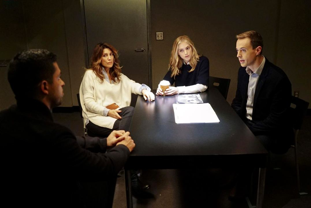 Bild Emily Wickersham, Jennifer Esposito, Sean Murray, Wilmer Valderrama