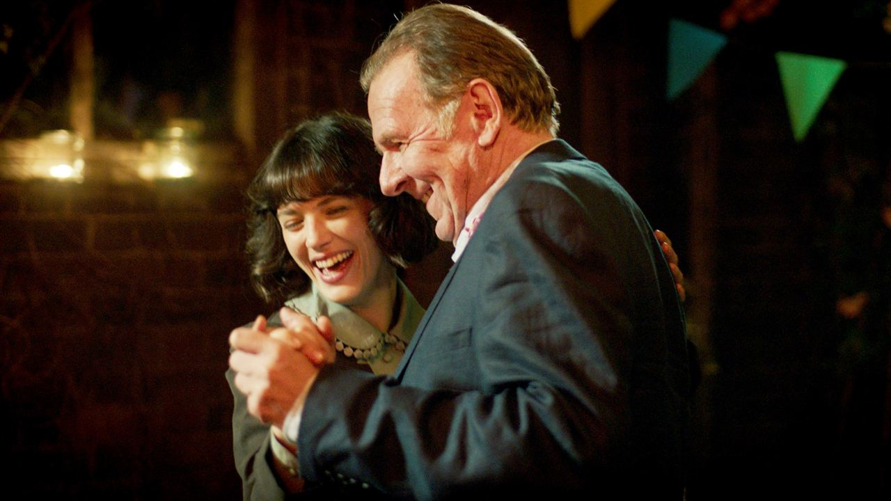 Der wunderbare Garten der Bella Brown : Bild Jessica Brown Findlay, Tom Wilkinson