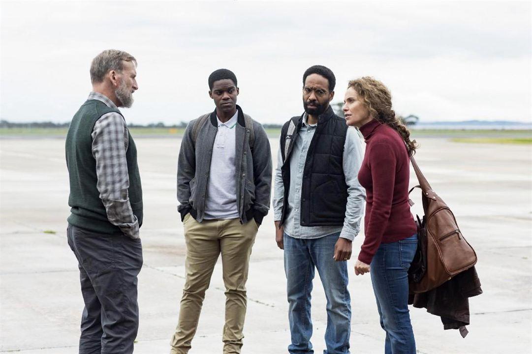 Bild Amy Brenneman, Christopher Eccleston, Jovan Adepo, Kevin Carroll