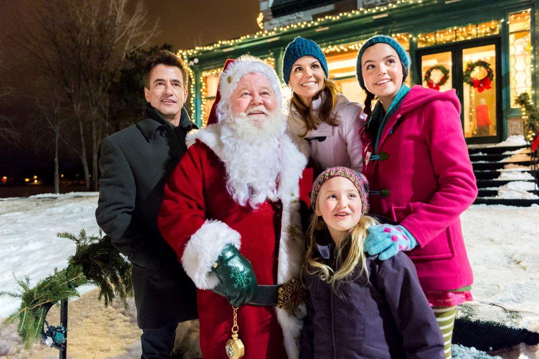 Northpole - Weihnachten steht vor der Tür : Bild Ava Telek, Bailee Madison, Dermot Mulroney, Donovan Scott, Lori Loughlin