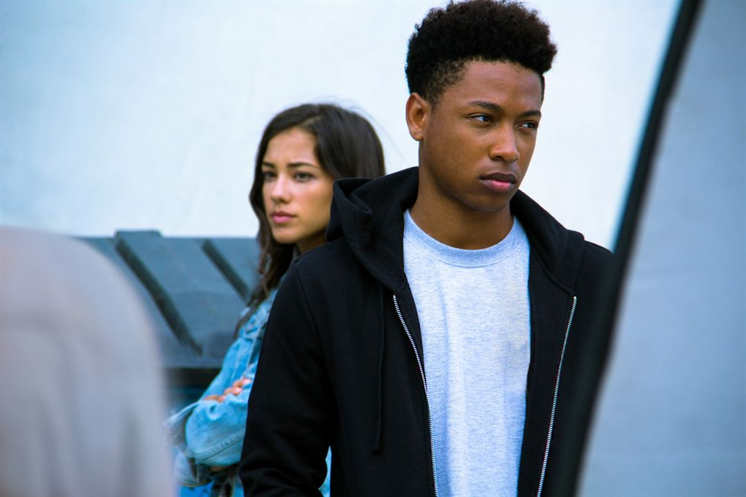 Sleight - Tricks & Drugs & Zauberei : Bild Jacob Latimore, Seychelle Gabriel