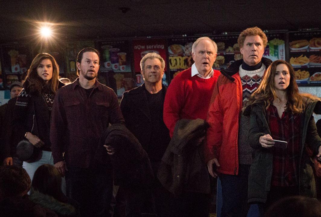 Daddy's Home 2 - Mehr Väter, mehr Probleme! : Bild Alessandra Ambrósio, John Lithgow, Linda Cardellini, Mark Wahlberg, Mel Gibson