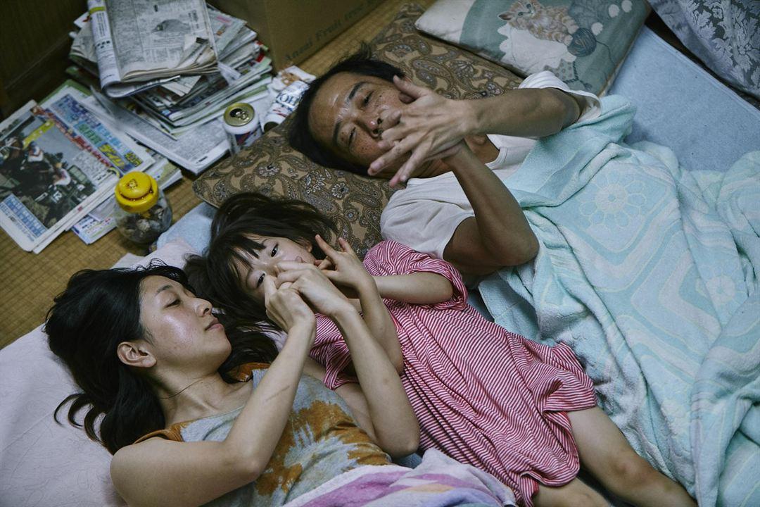 Shoplifters - Familienbande : Bild Lily Franky, Miyu Sasaki, Sakura Andô