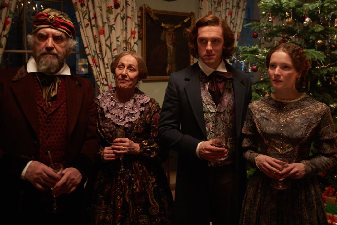 Charles Dickens: Der Mann, der Weihnachten erfand : Bild Dan Stevens, Ger Ryan, Jonathan Pryce, Morfydd Clark