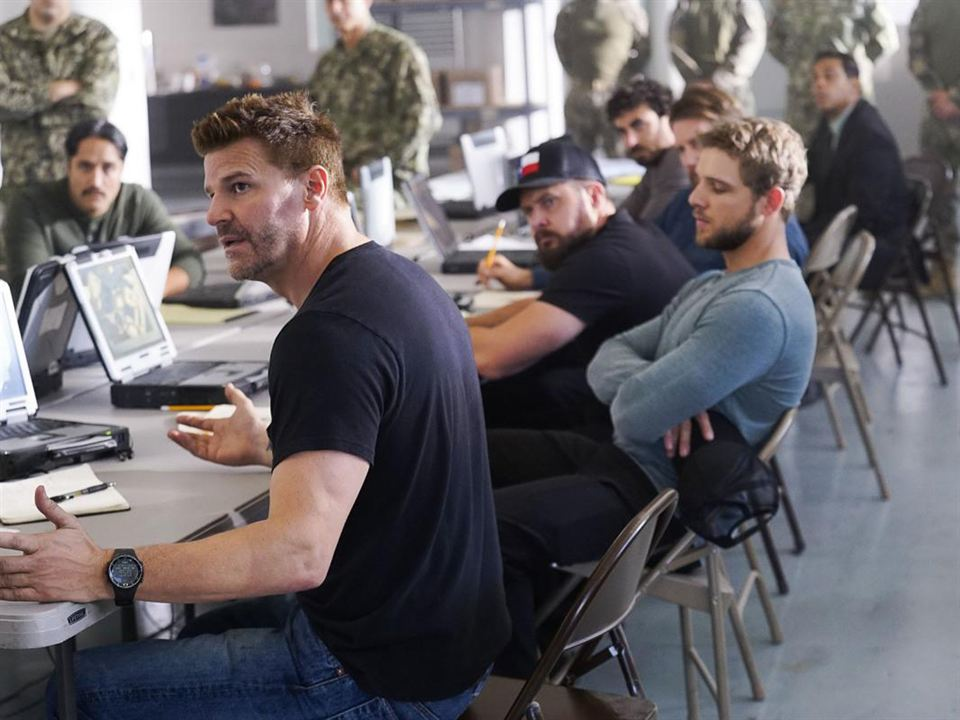 Bild A.J. Buckley, David Boreanaz, Max Thieriot