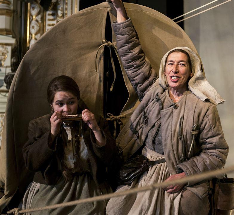 Brecht : Bild Adele Neuhauser, Marie-Louise Stahl