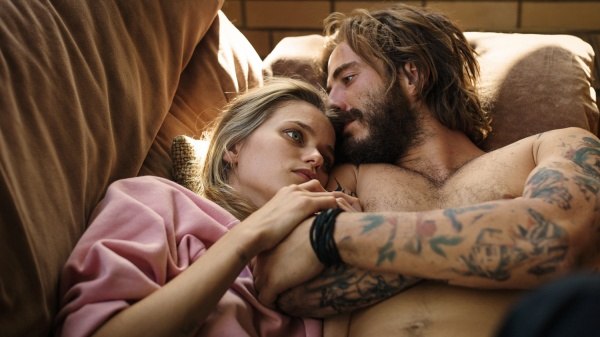 One Percent - Streets of Anarchy : Bild Abbey Lee, Ryan Corr