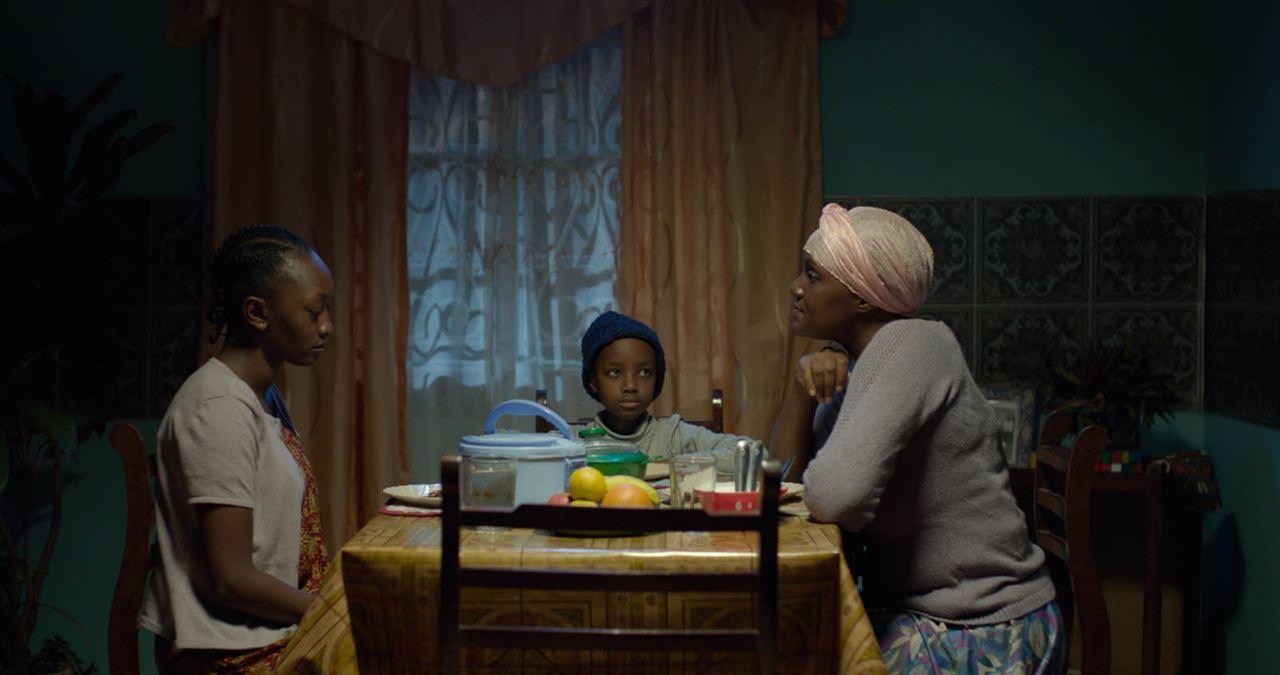 Supa Modo : Bild Marianne Nungo, Nyawara Ndambia, Stycie Waweru