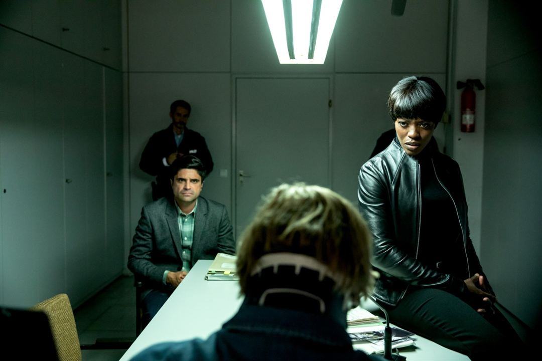 Der letzte Bulle - Der Kinofilm : Bild Florence Kasumba, Maximilian Grill