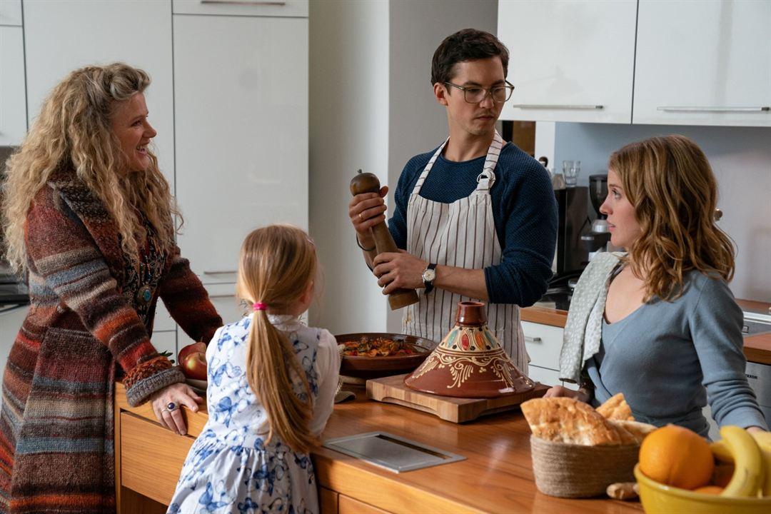 Enkel für Anfänger : Bild Barbara Sukowa, Paula Kalenberg, Tim Oliver Schultz