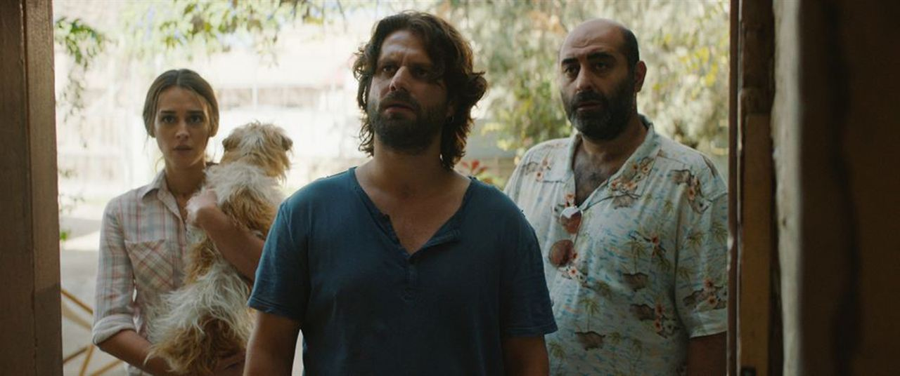 Smuggling Hendrix - Nicht ohne meinen Hund : Bild Adam Bousdoukos, Özgür Karadeniz, Vicky Papadopoulou