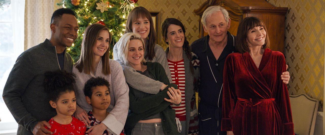 Happiest Season : Bild Alison Brie, Asiyih N'Dobe, Burl Moseley, Kristen Stewart, Mackenzie Davis