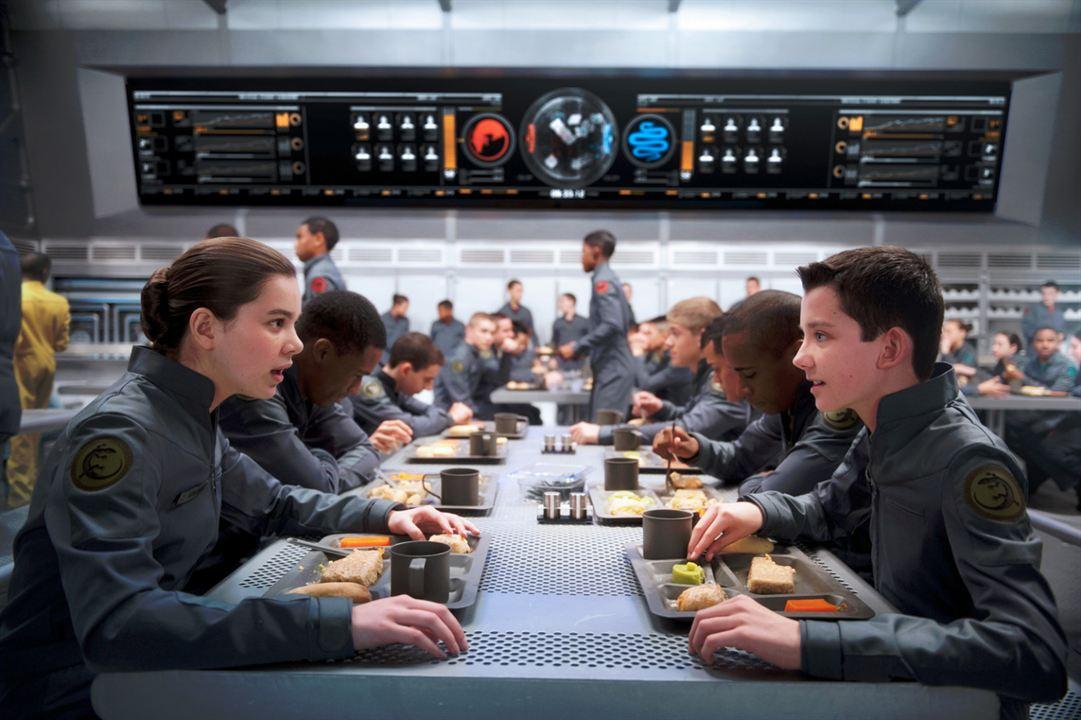 Ender's Game - Das große Spiel : Bild Asa Butterfield, Hailee Steinfeld