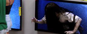 """Rings"" in echt: Grusel-Girl Samara erschreckt Menschen im Elektromarkt"